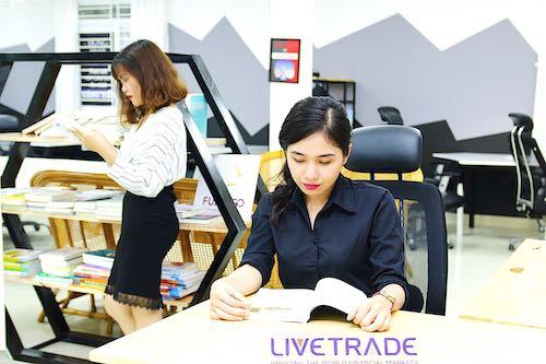 Livetrade team 10
