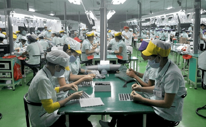 mployees working at a FDI business in Vietnam